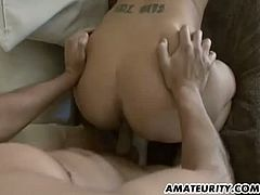 This amateur milf has kept her body nice and thin. She gets together with a younger guy who is happy to please her experienced pussy in multiple ways and give her his sperm.