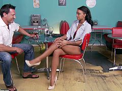 Marvelous foot fetish brunette in shorts have a chat with her guy before giving him a blowjob and getting her shaved pussy hammered