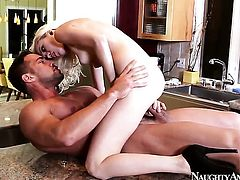 Johnny Castle uses his throbbing snake to bring Chloe Foster to the edge of nirvana