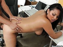 Kris Slater gets seduced by  and then fucks her wet spot