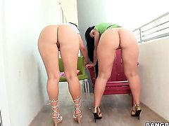 Latina Luscious Lopez and Ava Rose satisfy their sexual needs rubbing each others hole