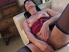 Mature mom Lelani Tizzie is brand new to the porn world but is quite the pro at using toys and fingers to make her craving twat tingle with orgasmic pleasure