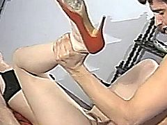 Tiffany Mynx vintage fuck in red heels