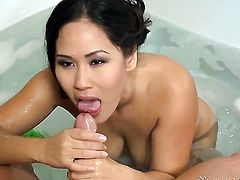 Tommy Gunn gets pleasure from fucking sexy bodied Jessica Bangkoks pussy