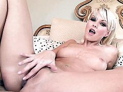 Jana Cova takes her fingers in her fuck hole
