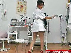 This head nurse only needs a few moments alone to start fooling around on the gyno chair. She spreads her mature cunt and fucks herself with a vibrator and then she uses a pump.