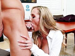 Ryan Mclane makes his rock solid rod disappear in eye-popping Brandi Loves pussy