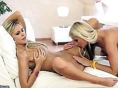 Blonde Jessie Jazz loves the way Dido Angel fingers her hole