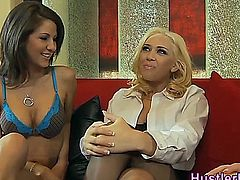 Taylor Vixen gets pussy eaten out and toyed by lez babe