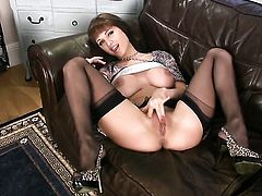 Roxanne Milana cant live a day without toying her wet spot