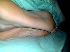 Sucking and lick my gf sexy sl33py feet soles and toes