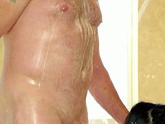 Mega busty brunette babe with tattooed body blows sweet cock in bath