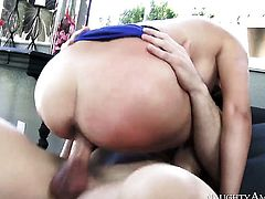 Johnny Castle pops out his tool to fuck Oriental Danica Dillon with giant breasts and bald cunt