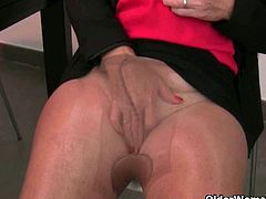 Older Woman Fun brings you a hell of a free porn video where you can see how this mature blonde rubs her sweet cunt into heaven while assuming sexy positions.
