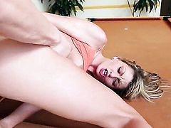 Eye-popping hoochie Staci Silverstone taking sex to the whole new level