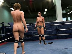 Brunette Lisa Sparkle with big breasts loses control in lesbian frenzy with Eliska Cross