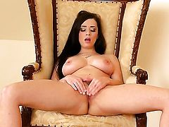 Nasty hoochie Taylor Vixen with gigantic jugs and bald cunt puts on a solo show you cant miss