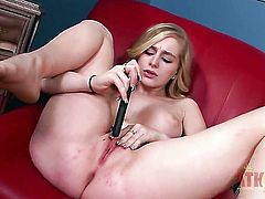 Blonde oriental hoochie Stacie Jaxxx gives herself some pussy stimulation with the help of her dildo
