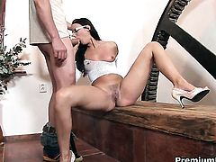 Claudia Rossi gets her anal hole invaded