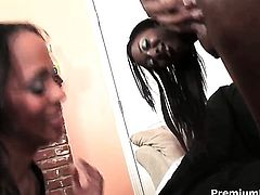 Nevaeh Keyz gets the hole between her legs eaten out by her lesbian girlfriend Aryana Starr