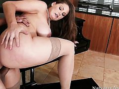 David Loso explores the depth of gorgeously sexy Allison Moores wet slit with his boner