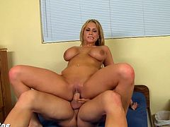 Super blonde chick Alanah Rae is ready for some hardcore action with a big meaty cock. See her sucking it deep and taking it right into her horny shaved pussy.
