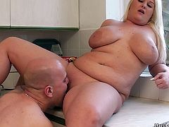 Busty Work brings you very intense free porn video where you can see how this blonde bbw gets fucked very hard in the kitchen while assuming very naughty positions.