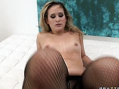 James Deen has a great time banging Briella Bounce with big booty in the butthole