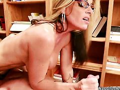 Kristal Summers takes James Deens sausage doggystyle
