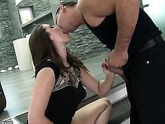 Redhead Paige Turnah proves that she can fuck like no other