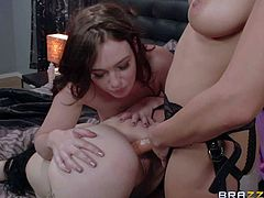 Jodi Taylor, Chase Ryder, and Luna Kitsuen are hot brunette that enjoy lesbian threesome sex. Leggy hottie in short skirt gets double teamed by two hot lezzies with strap-on dildos.