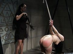 Brunette Naomie with juicy jugs finds Mandy Bright sexy and sticks her tongue in her wet hole