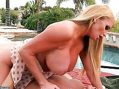 Blonde breathtaker Taylor Wane gets down on her knees to take guys dick deep down her throat
