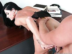 India Summer needs nothing but Van Wyldes hard pole in her wet hole to get orgasm