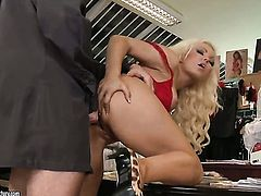 Blonde with juicy melons puts her luscious lips on hard sausage