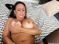 Alec Knight gets pleasure from fucking fuck hungry Mariah Milanos pussy