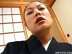 Horny japanese geisha vibing her starving snatch to orgasm