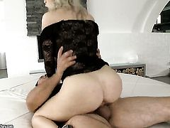 Isabella Clark is full of passion to take hard dick in her bottom
