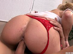 Nurse bimbo fucked by the big cock doctor that cums hard