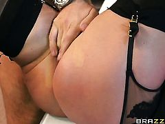 Keiran Lee makes Breanne Benson with massive knockers gag on his meaty love torpedo