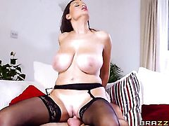 Ryan Ryder cant resist delicious Sensual Janes acttraction and fucks her like crazy