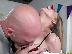 Johnny Sins has unforgettable oral sex with Shawna Lenee with gigantic hooters