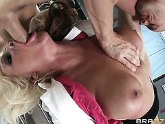 Sadie Swede shows oral sex tricks to Johnny Sins with passion and desire