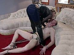 When Bella wants to play, she doesn't wants to do it nicely. The divine bitch has her ways with men and knows, how to make an obedient sex slave out of a guy. This time she chained this dude, broke his self esteem and then, finger fucked his ass. The fun just began, don't dare to leave her!