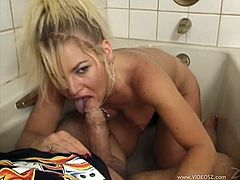 Sexy Slut with Natural Tits gives her partner Hardcore Blowjob and Handjob in Bath and Cum In Her Mouth On Cumshot Reality