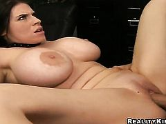 Billy Glide touches the hottest parts of warm Daphne Rosens body before he bangs her mouth