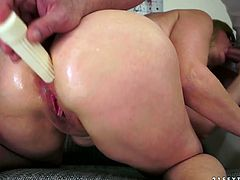 Sex crazy slut with pinkish anal hole gives her head and fucks like wild bitch