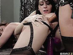Adorable tart Chase Ryder is just another fucktoy of insatiable lesbian Luna Kitsuen