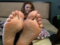 Janet Mason shows off mature feet