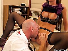 Johnny Sins has fantastic sex with Glamorous bombshell Kortney Kane